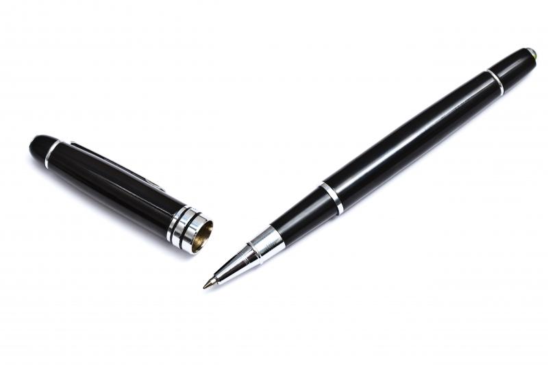 svart bläckpenna
